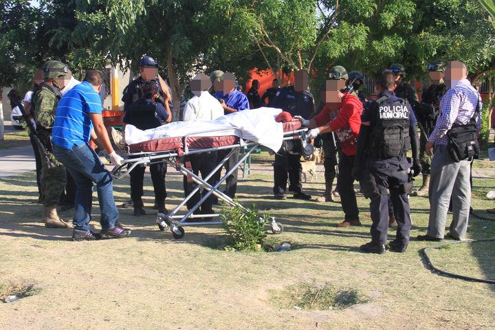 Cae tras 11 disparos; registran otro herido