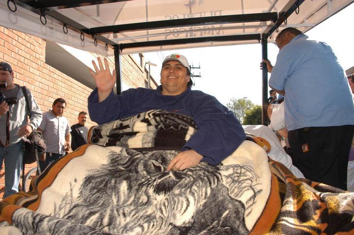 Muere hombre que pesó 560 kilos