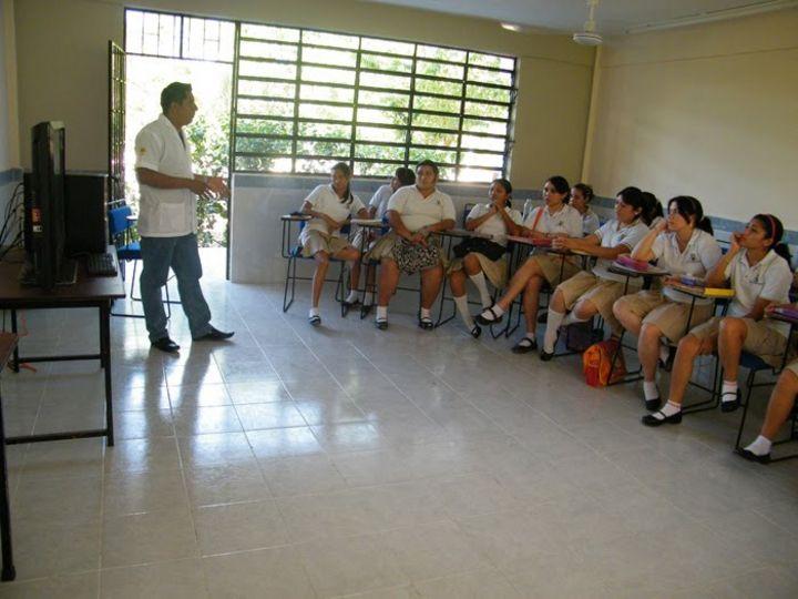 Dan prisión preventiva al maestro acusado de abuso