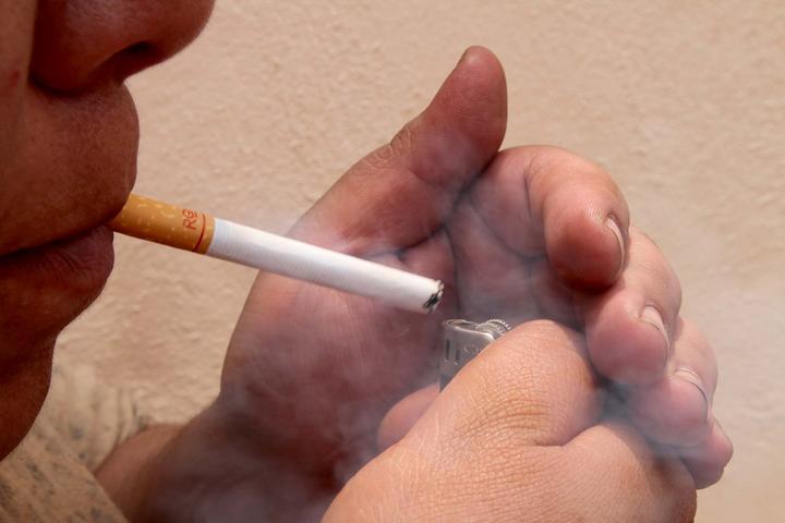 Buscan aumentar 50% los impuestos al tabaco