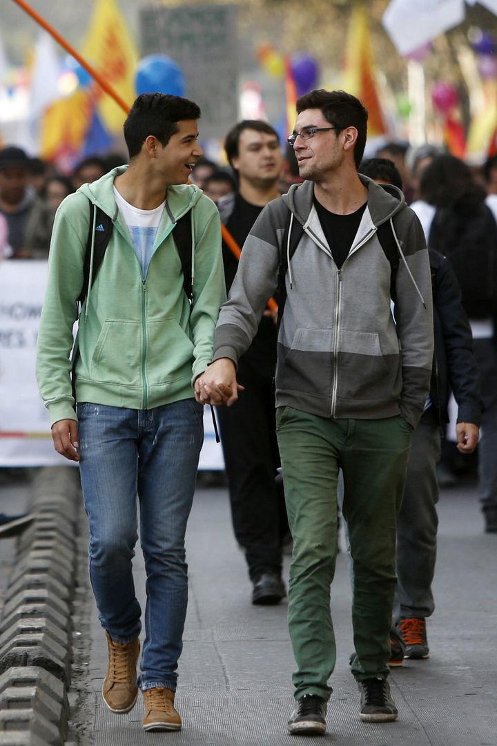 Quitan traba a unión gay