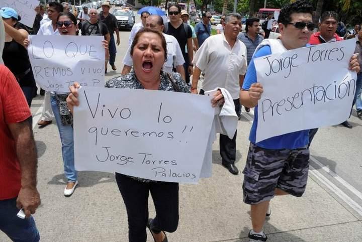 Protestan por desaparición de vocero