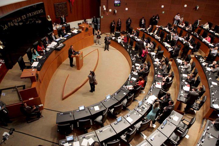 Comisiones acuerdan audiencias de telecom