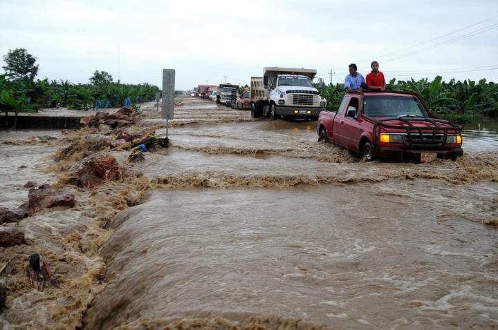 Evacuan a 16 mil personas en Chiapas