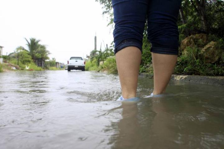 Evalúan daños en Quintana Roo tras lluvias