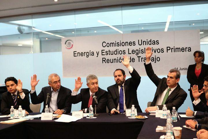 Modifican las fechas para análisis de ley energética