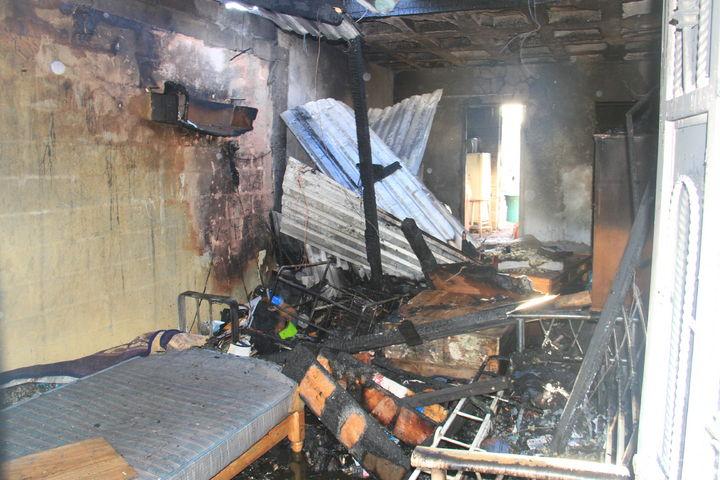 Cortocircuito causa incendio en una finca