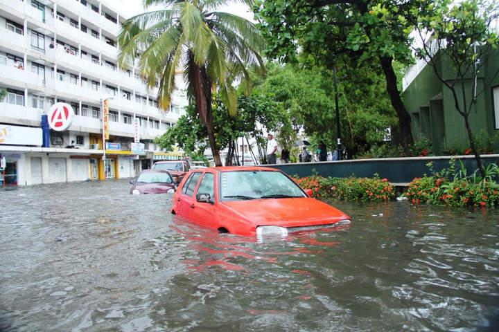 Piden evacuación en zonas de riesgo