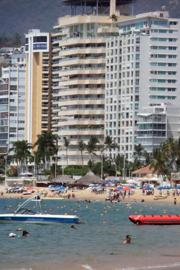 Pide EPN impulsar turismo para generar empleos