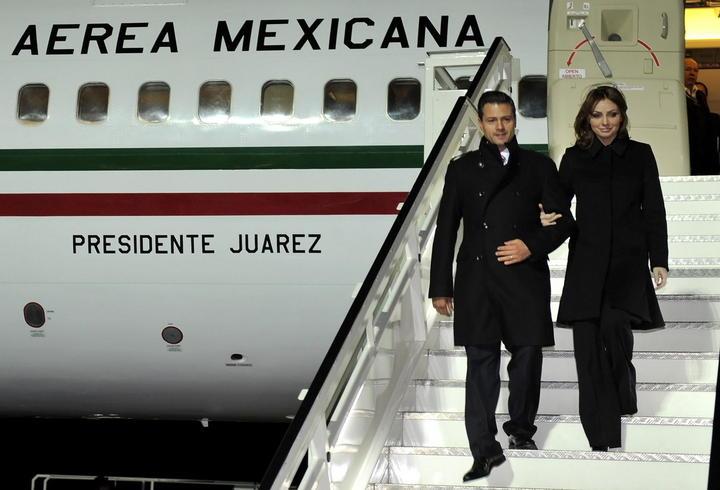 Regresa EPN a México tras gira europea