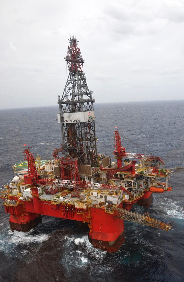 Mueren siete en plataforma petrolera