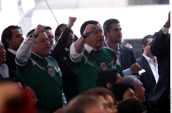 Festejan políticos el triunfo de la Selección