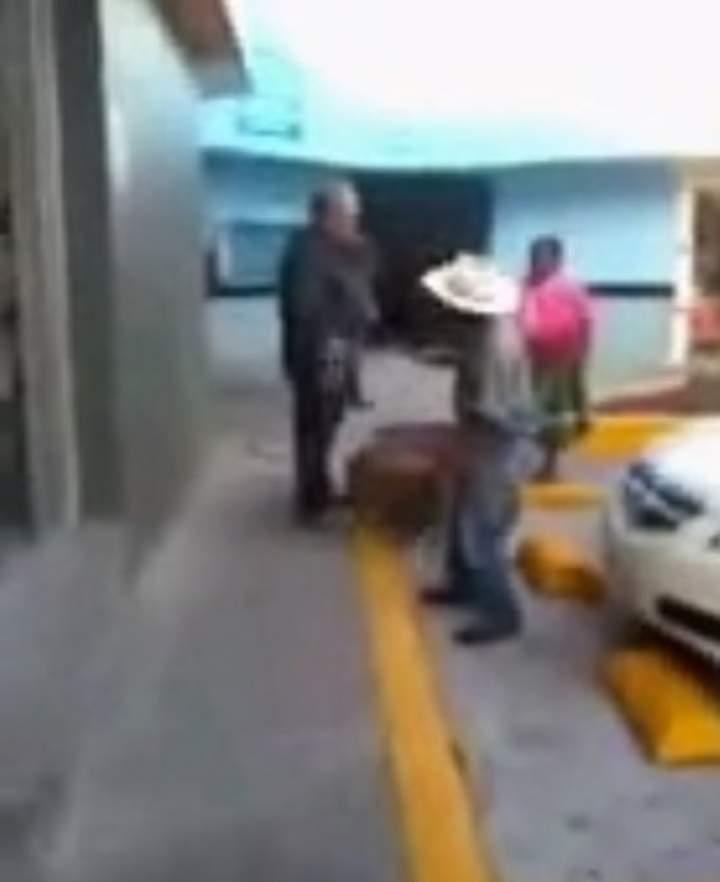 Paga gasolinera que discriminó multa de 12 mil pesos