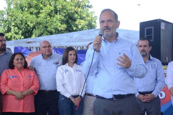Apoya Madero a candidatos locales