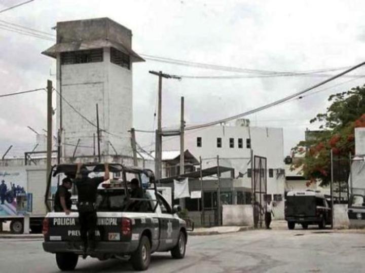 Riña en penal de Cancún deja daños por casi 2 mdp