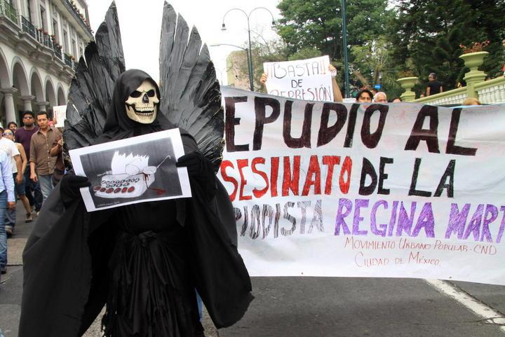 Amparan a familiar de periodista Regina Martínez en Veracruz
