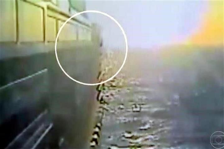 Difunden video de salto de mexicano en crucero