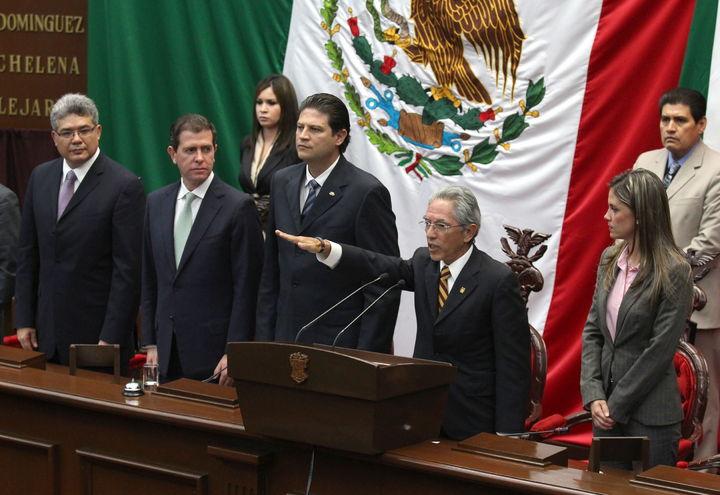 Sustituye exrector a Vallejo en Michoacán
