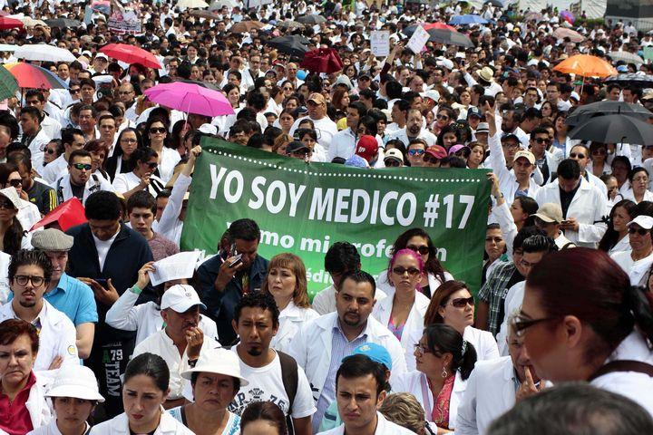 Médicos pretenden cambiar Ley de Salud