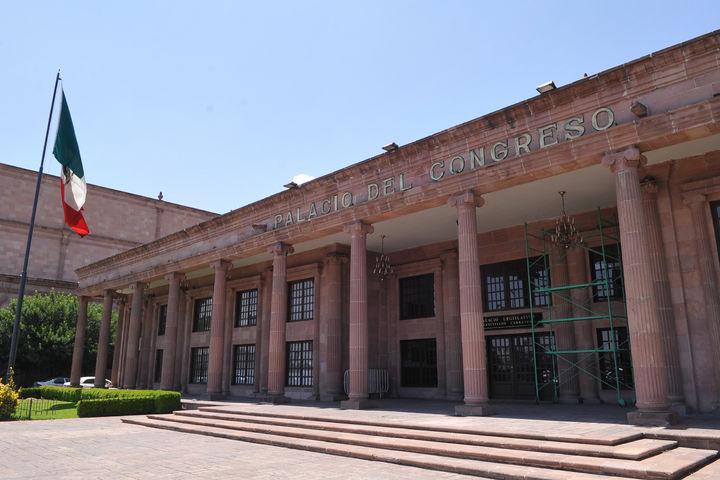 Congreso de Coahuila realiza obras sin licitar