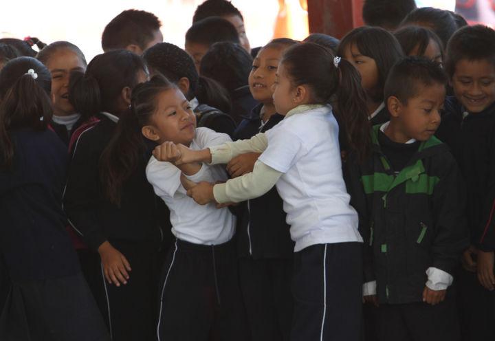 Se unen contra violencia escolar