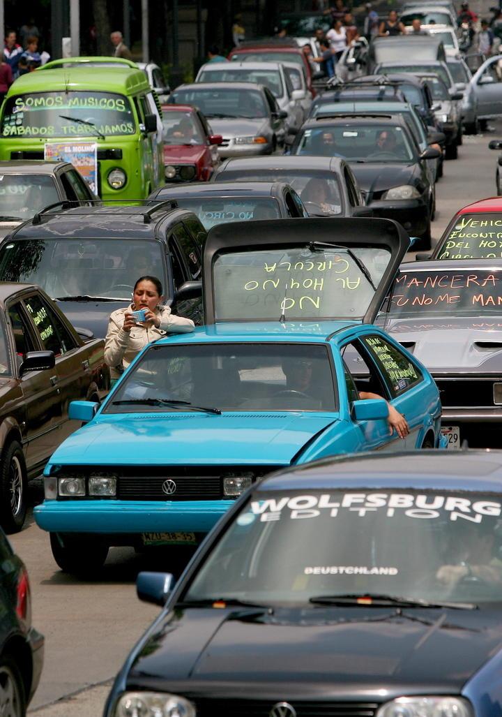 Realizan nueva protesta por Hoy No Circula