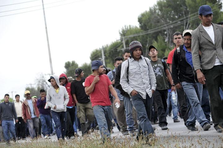 Autoridades aseguran a 21 migrantes en Chiapas