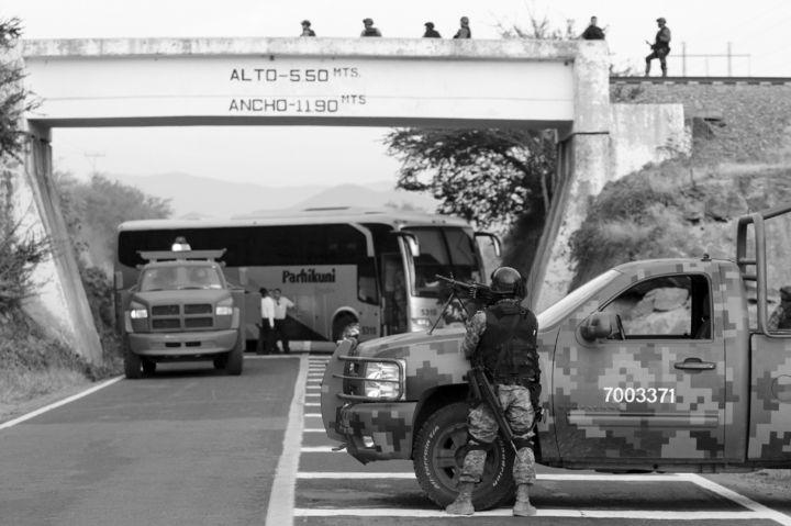 Manifestantes liberan puente luego de diez días