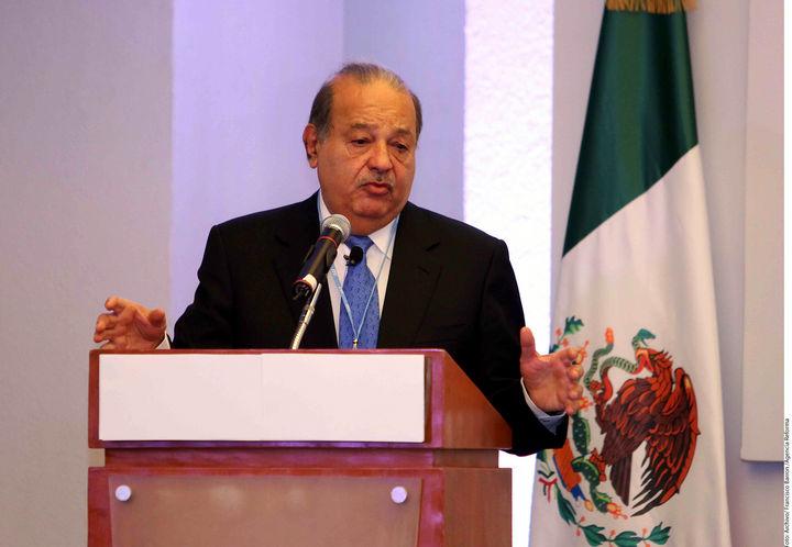 Slim venderá parte de Telmex y Telcel