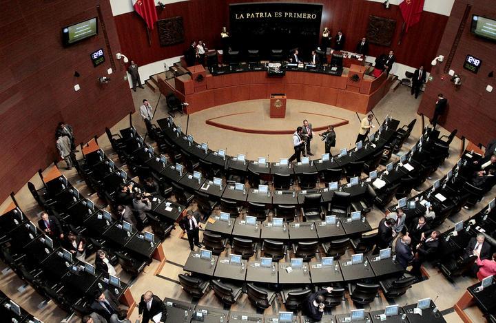 Senadores van a otro receso en debate energético