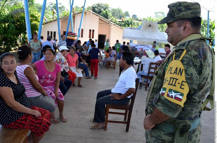 Tras sismo vuelven a sus comunidades