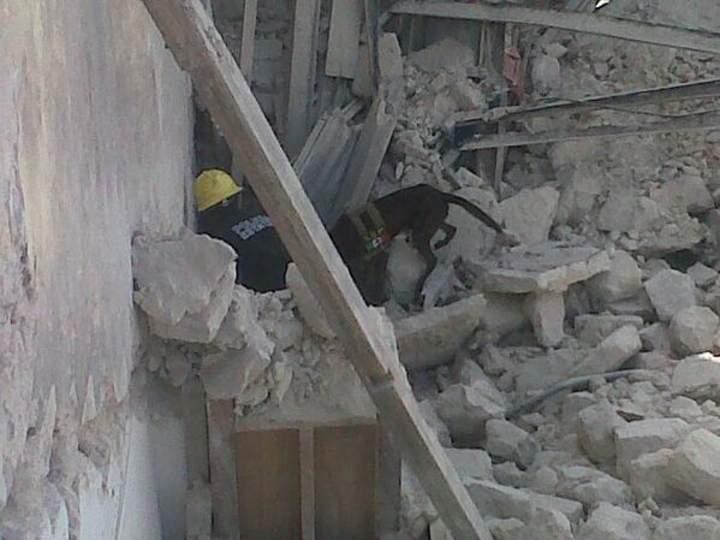 Se derrumba edificio en Mérida; hay personas atrapadas