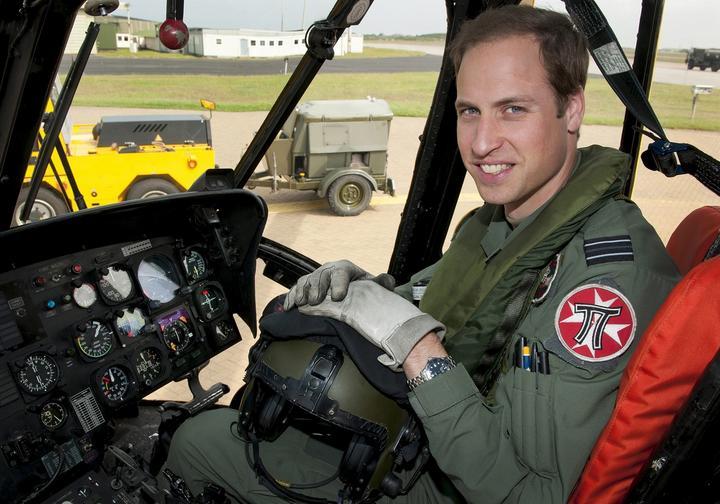 El príncipe Guillermo comienza a trabajar como piloto de ambulancias aéreas