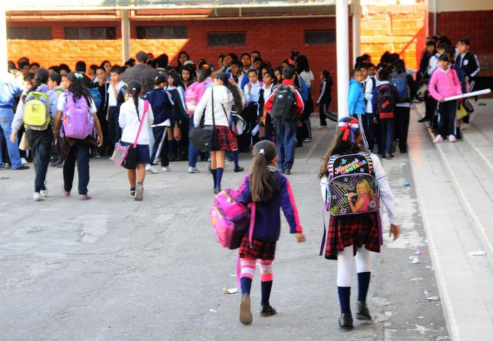 De vuelta a las aulas casi 26 millones de estudiantes