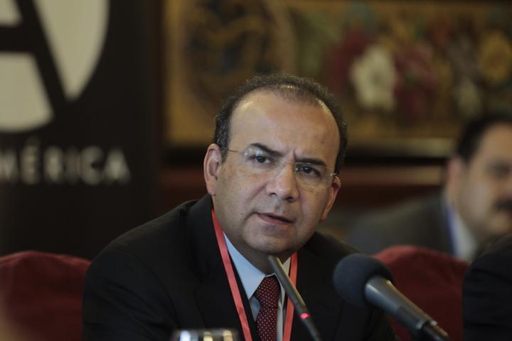 Une a gobiernos debate por salario: Navarrete Prida