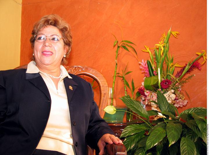 Alcaldesa señalada pide licencia por treinta días