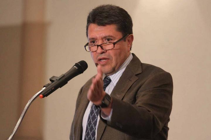 Reta Ricardo Monreal a legisladores a regresar