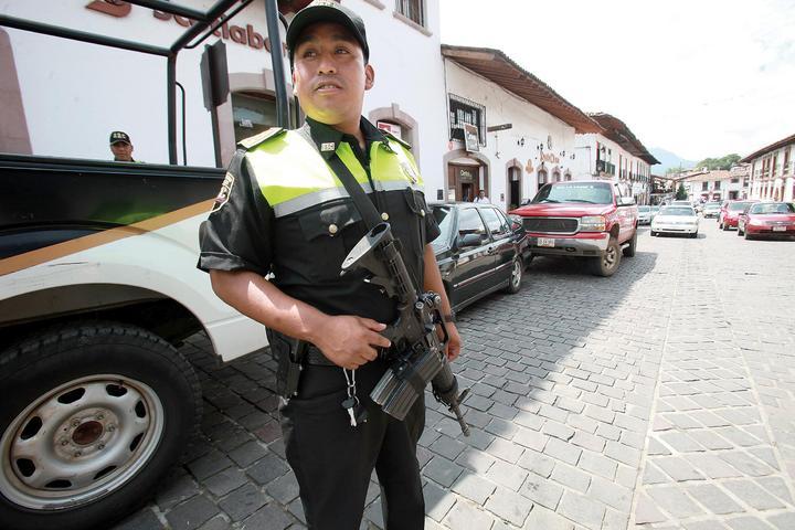 Policías controlan el Edomex