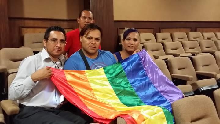 Avalan matrimonios gay en Coahuila