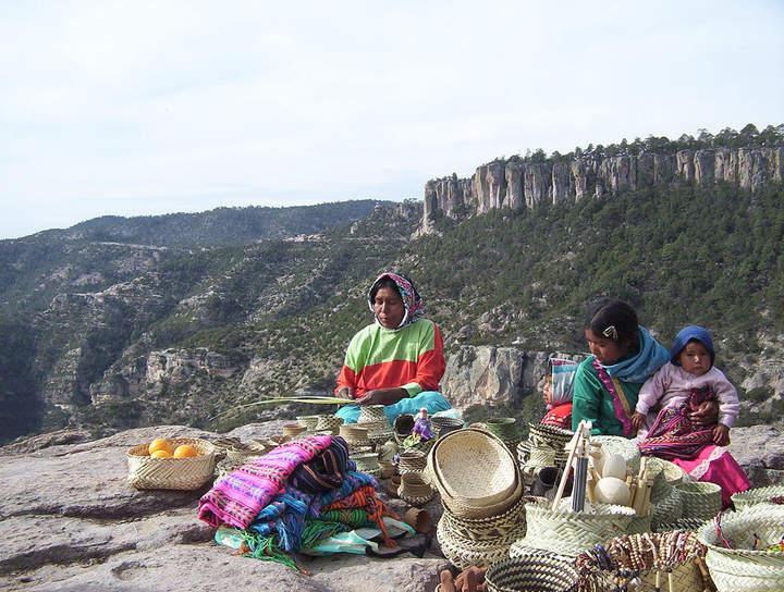 Los más discriminados: www.elsiglodetorreon.com.mx/noticia/1046643.los-mas-discriminados.html