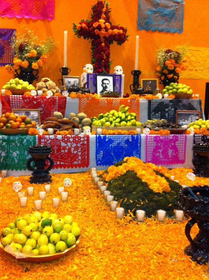 Resultado de imagen para altares mexicanos dia de los muertos