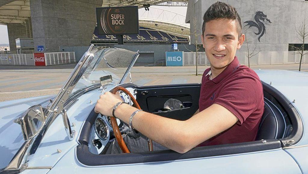 Gudiño firma contrato de tres años con el Porto