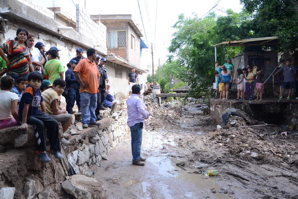 Afecta lluvia 11 colonias en Torreón