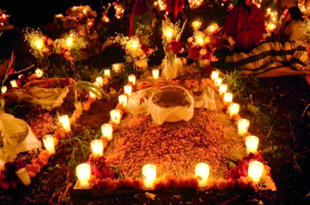 Maravillosa noche de muertos en la isla de Janitzio