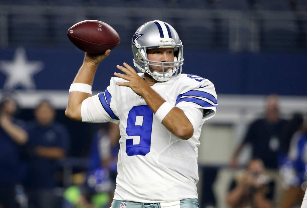 Cowboys ratifica a Tony Romo como pasador titular