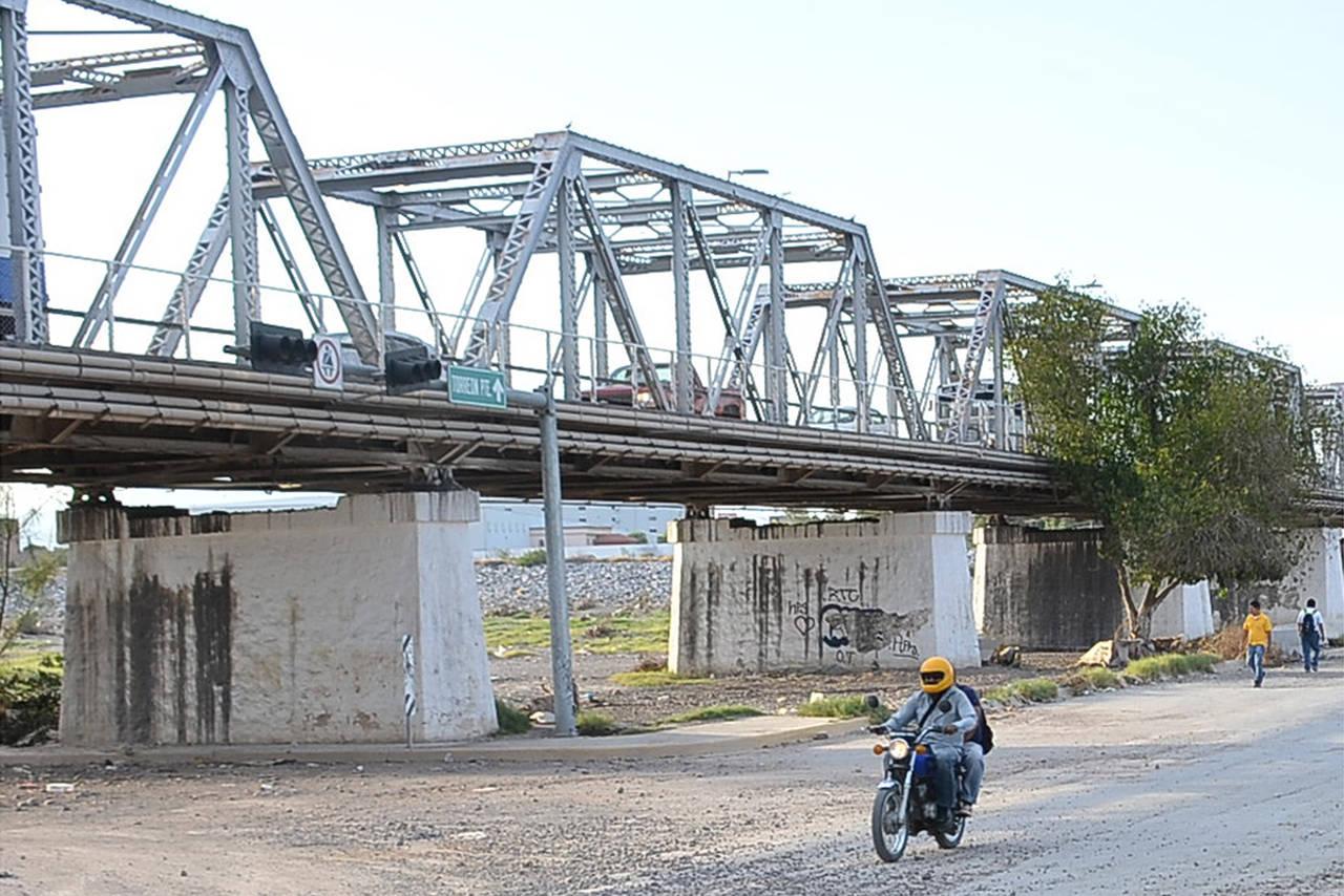 Puente plateado, un símbolo de unión