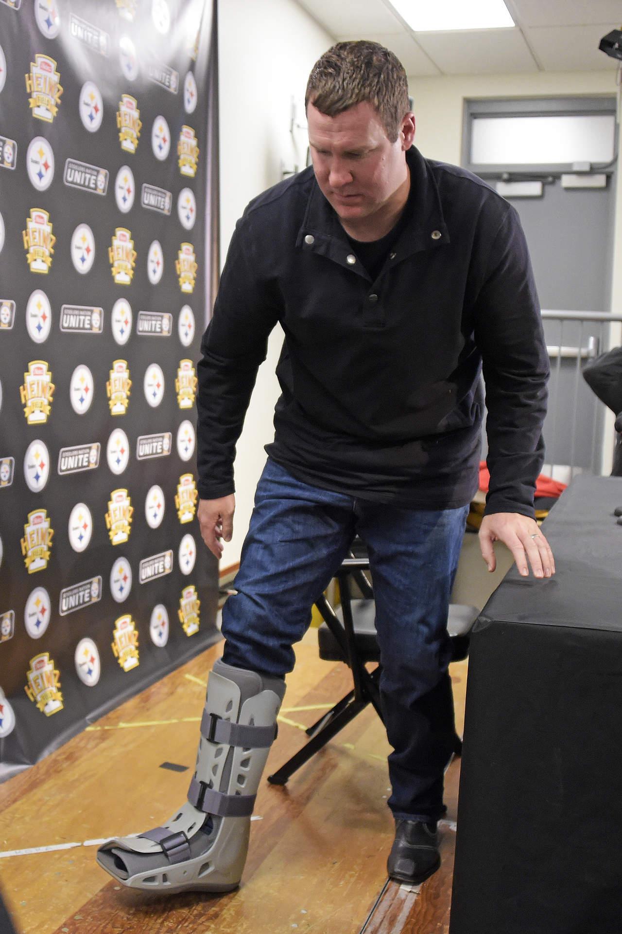 Roethlisberger se lesionó el tobillo en la victoria de Steelers