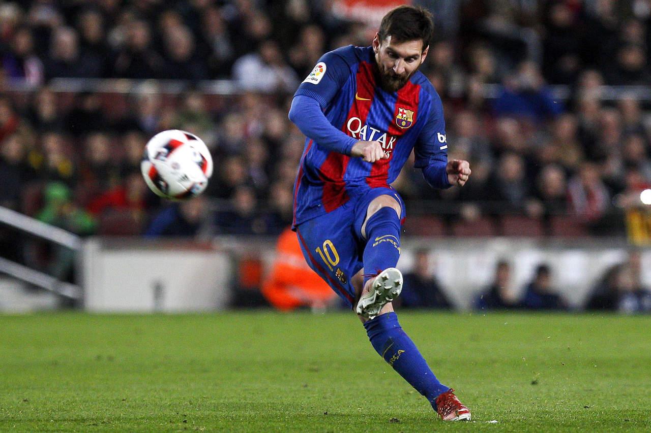 Resuelve Messi de tiro libre y avanza Barcelona en Copa del Rey