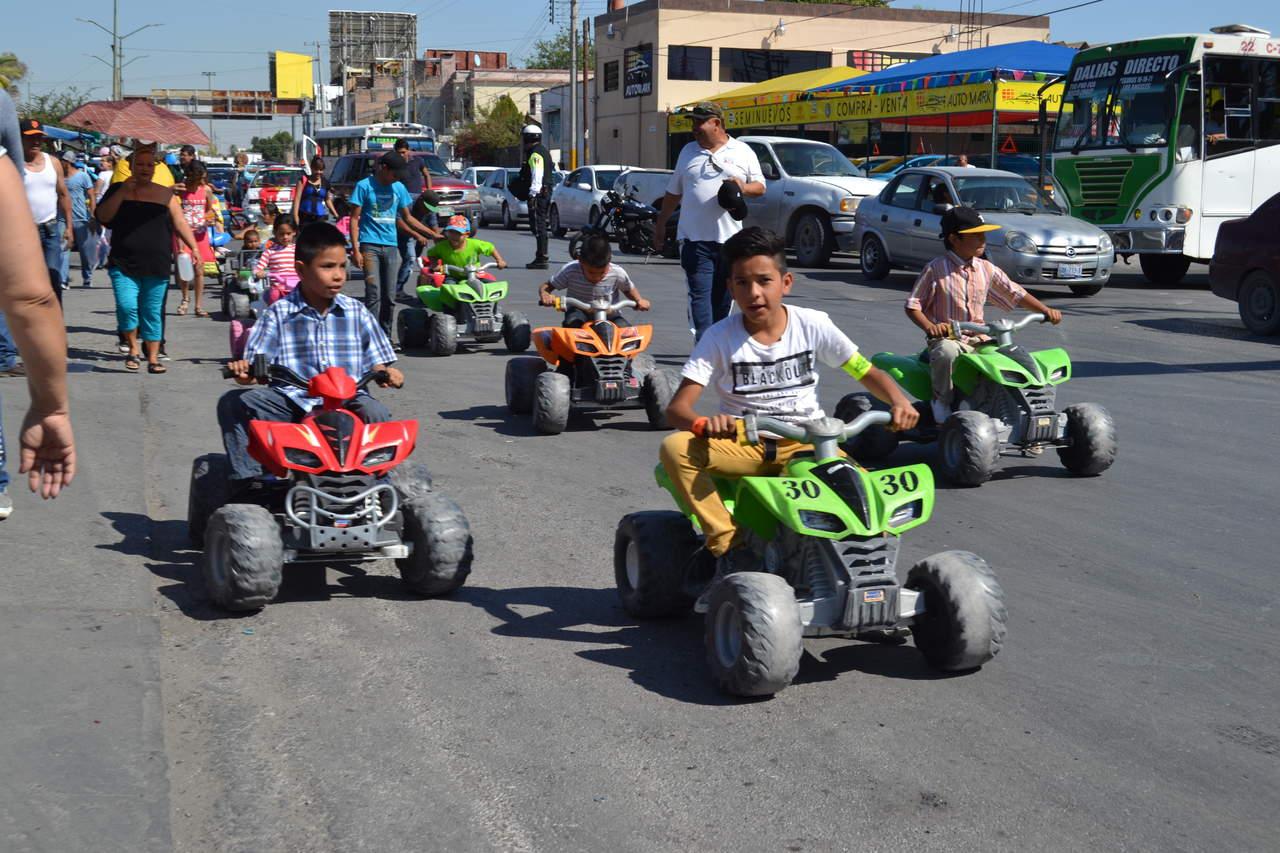 Realizan Desfile de la Primavera en Torreón