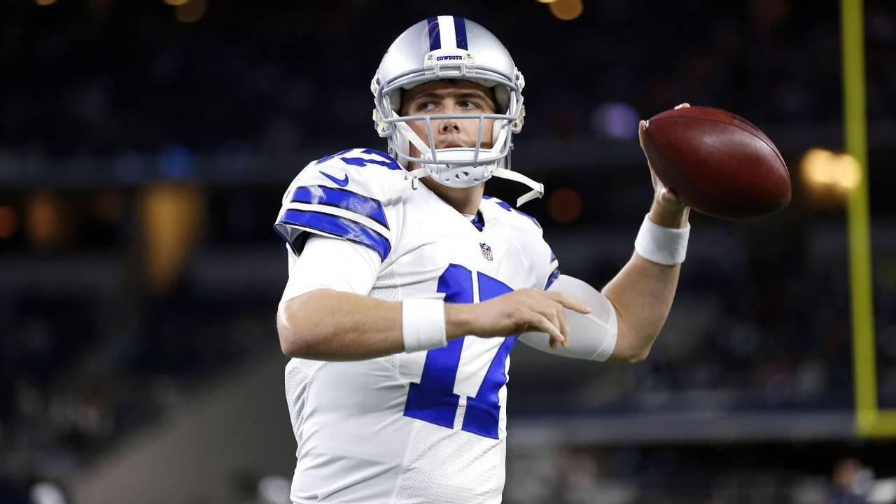 Cowboys renueva contrato a Moore